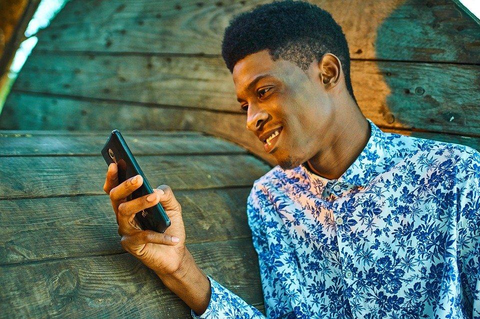 Utunzi Loan App on Plays tore